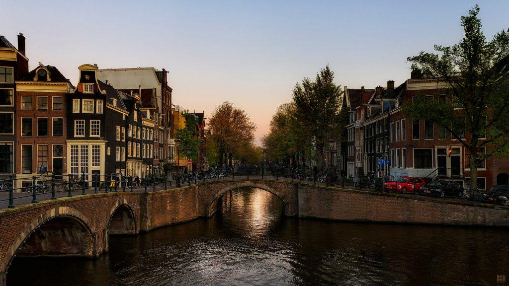 Закат в Амстердаме