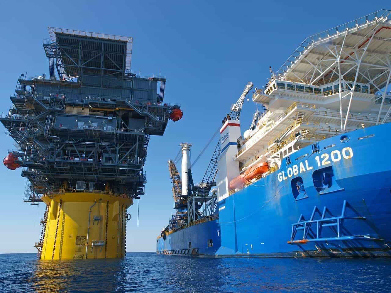 Добыча нефти в море