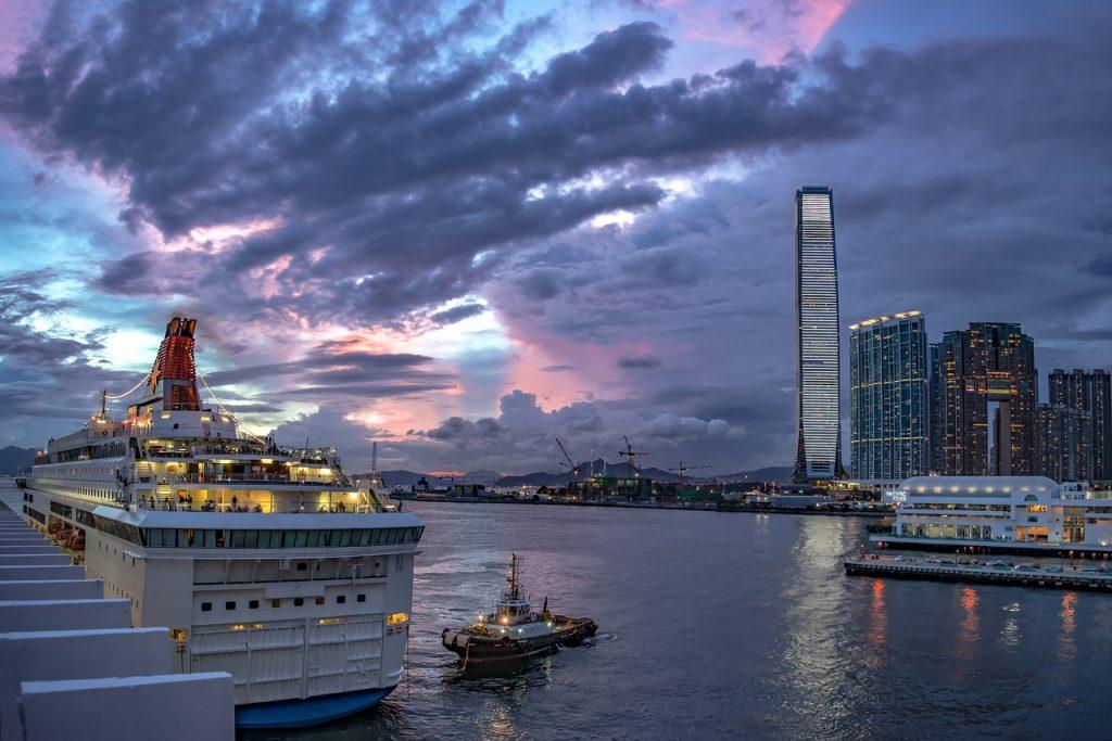 Глубоководный порт Гонконга