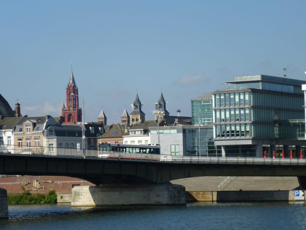 Нидерландский город Маастрихт, где в 1992 году был подписан одноименный договор.