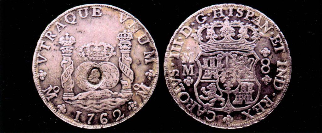 Монета достоинством в 8 реалов, отчеканенная при Карле III на монетном дворе Мехико в 1762 году