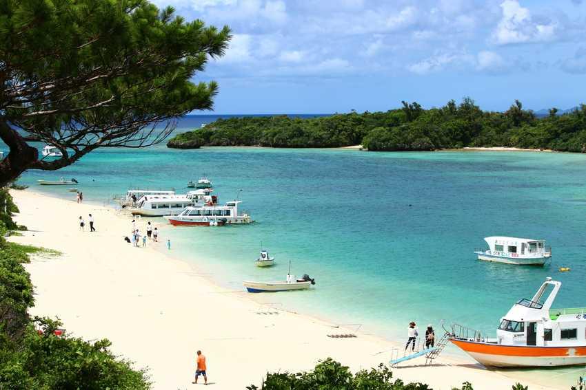 Япония: остров Исигаки-Дзима, пляж Кабира Бэй