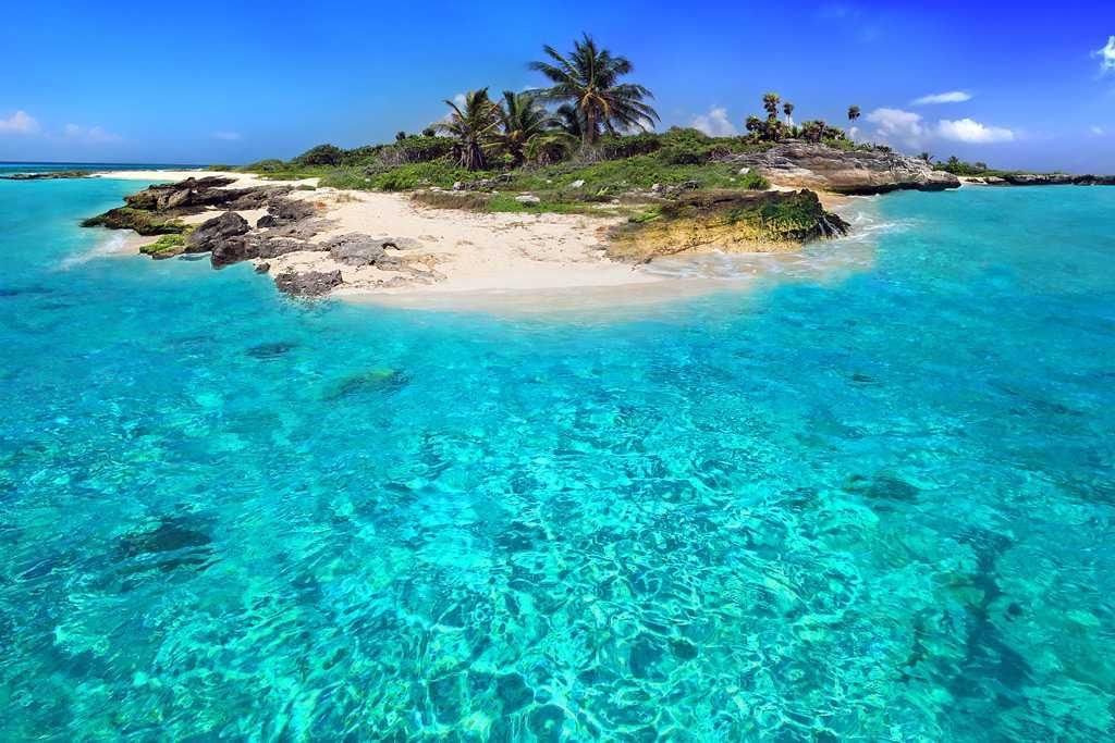 Британская заморская территория в Вест-Индии: остров Провиденсиалес, пляжи Теркс и Кайкос