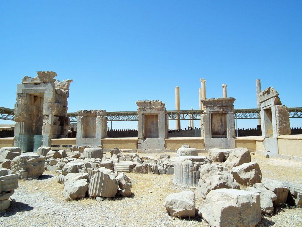 руины Персеполиса, одного из главных городов империи Македонского