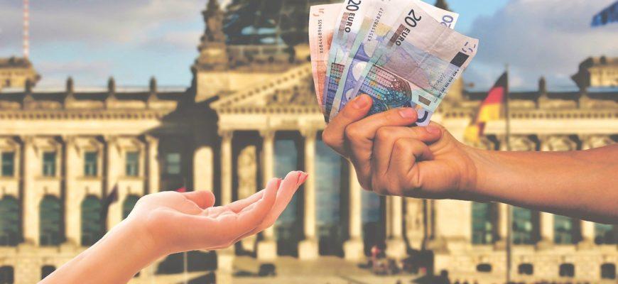 Власть денег